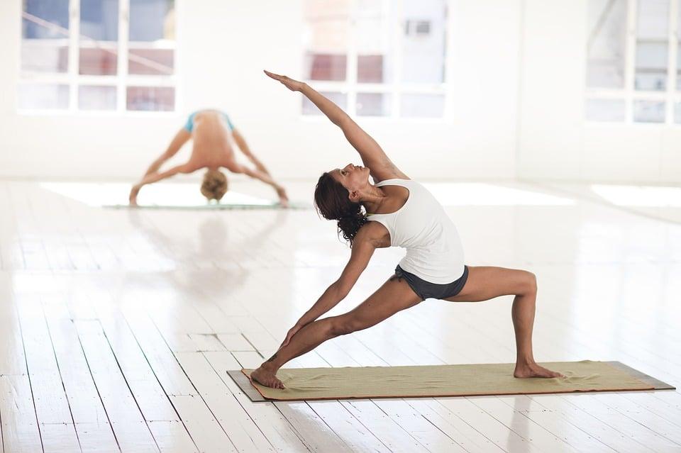 Séance de yoga pour apaiser les douleurs liées à l'arthrose
